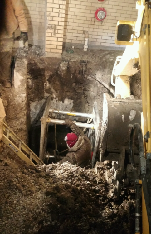 Water Main Digging & Tunneling